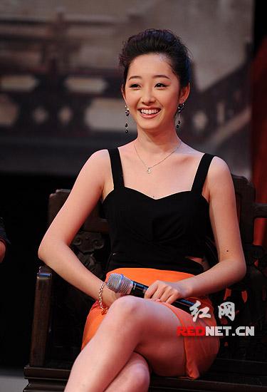 蒋梦婕和李少红_李少红长沙避谈《红楼梦》争议多肯定新人表演_尚一网-要闻
