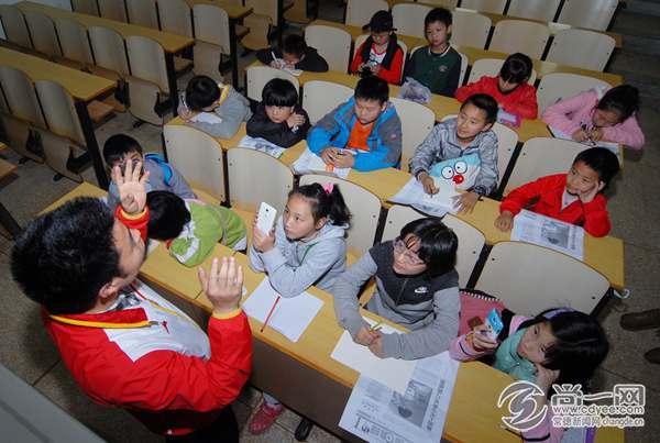 常报传媒集团小记者寻访道德模范朱天鹏