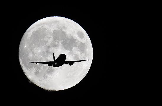 世界各地的红月亮