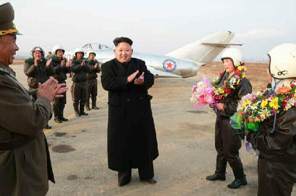 朝鲜人民军航空与防空军女歼击机飞行员进行了飞行训
