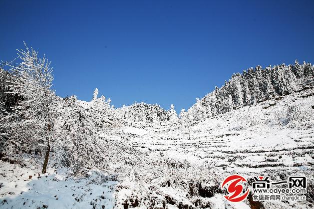 石门东山峰雪景